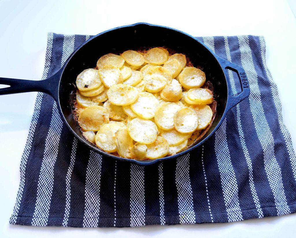 Garlicky Skillet Potatoes