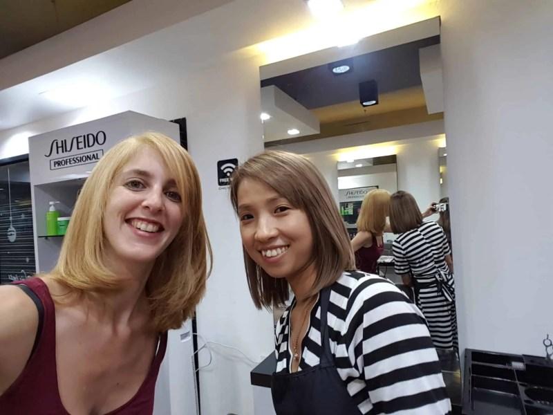 Thaïlande, Lilie se transforme en blonde platine 🐥 4