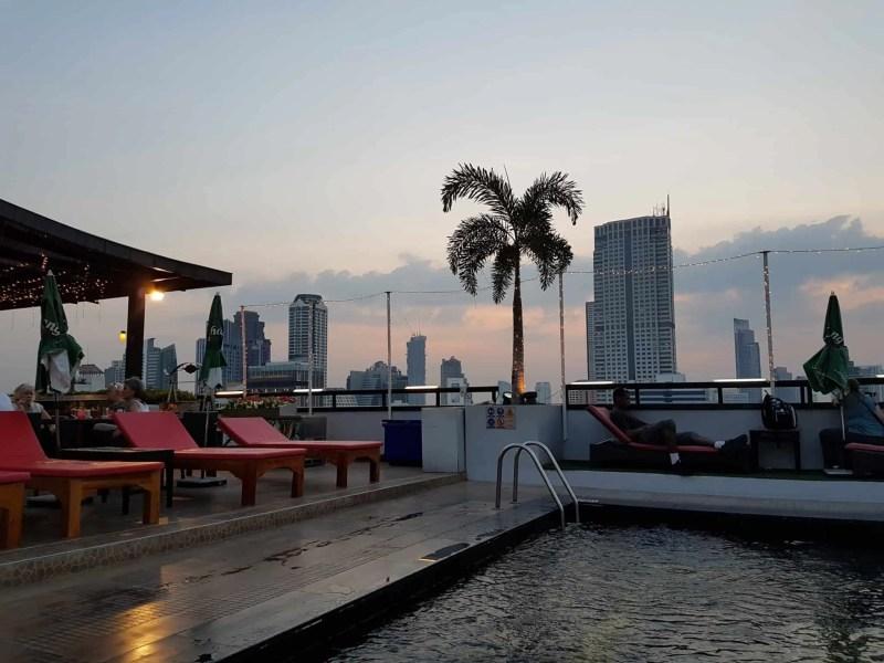 Thaïlande, coucher de soleil depuis le rooftop du Furama Hotel 🌇 8