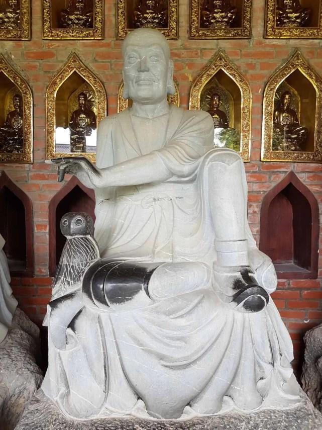 Vietnam, l'incontournable temple de Bai Dinh aux 500 statues 🛕 13