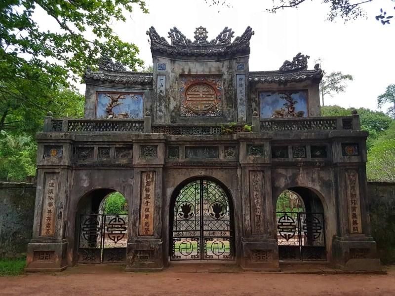Vietnam, scotchés devant la beauté du mausolée de l'empereur Khai Dinh ⚰ 25