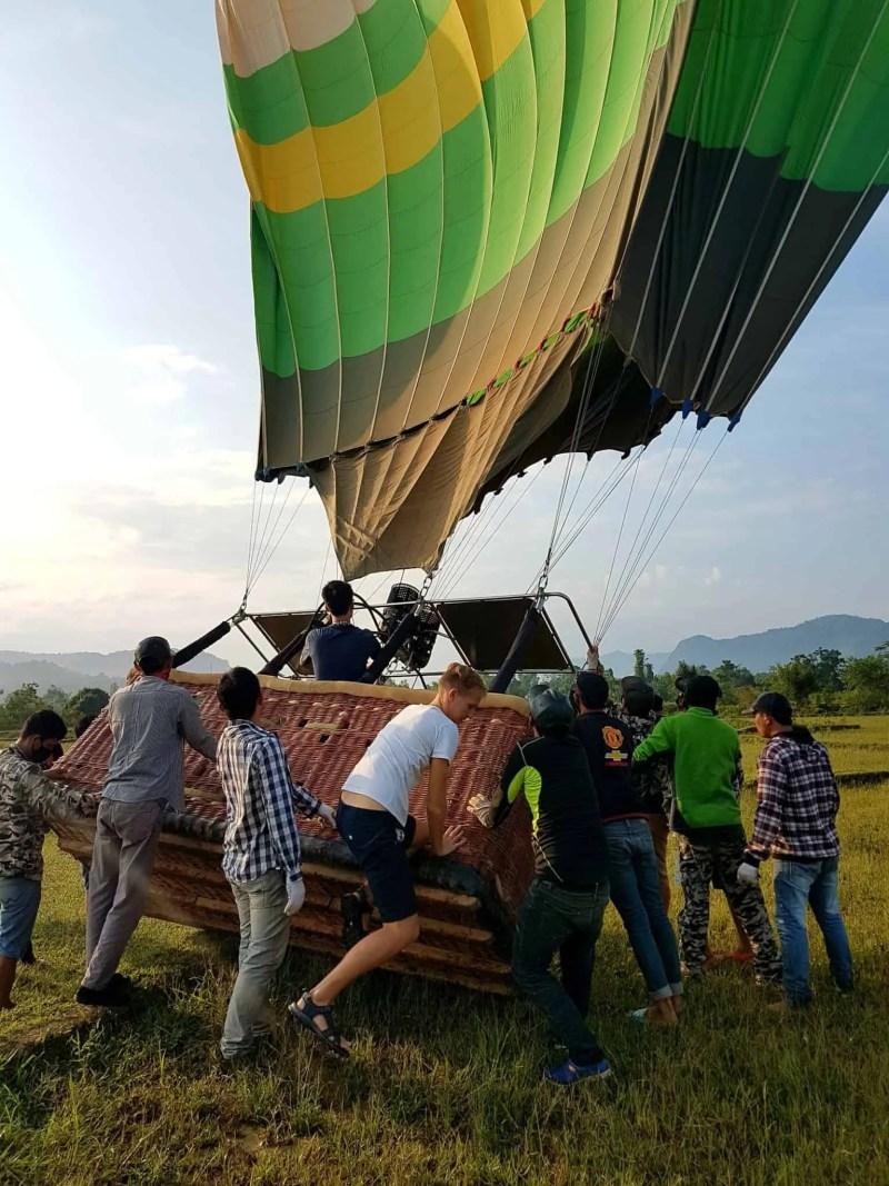 Laos, un vol en montgolfière au dessus de Vang Vieng riche en émotions 🎈 19
