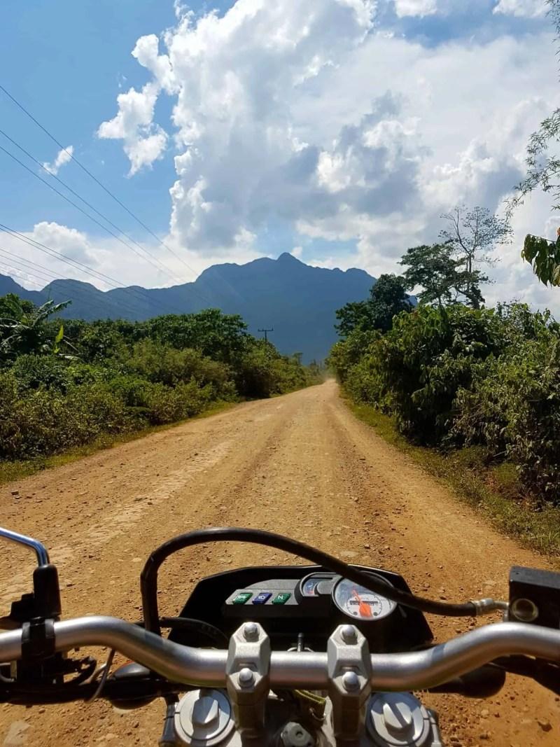 Laos, au cœur de la magnifique campagne de Vang Vieng en moto cross 🏍 3