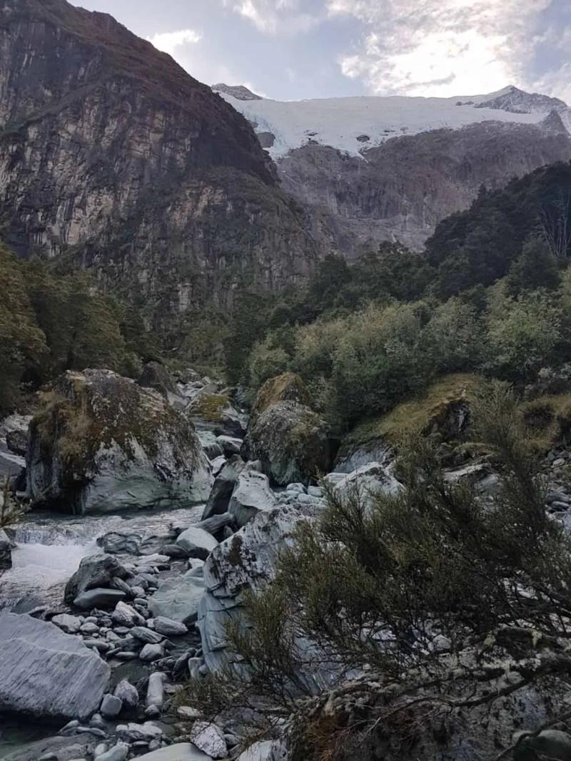 Nouvelle-Zélande, randonnée vers le Rob Roy Glacier et son sommet enneigé ❄ 16