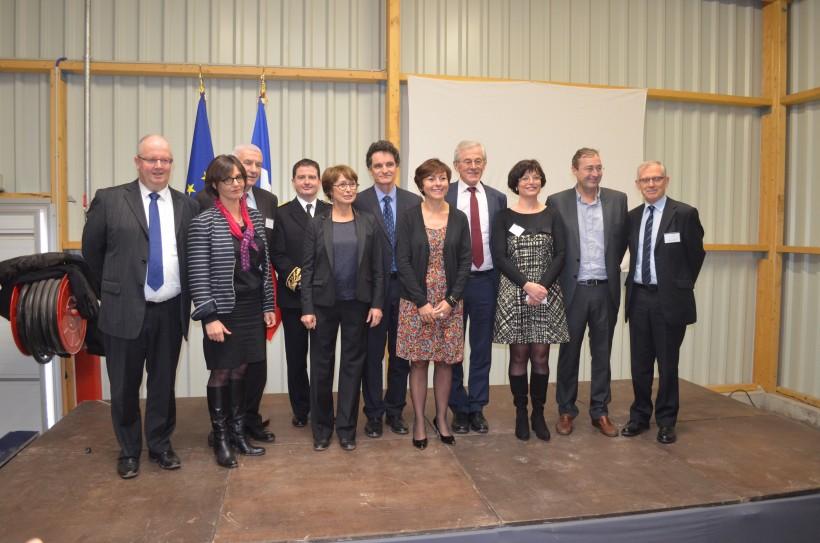 Au centre de gauche à droite Claudine Josso, pdg de Josso, Carole Delga, secrétaire d'Etat et Bénédicte Jézequel, directrice générale de Silvadec