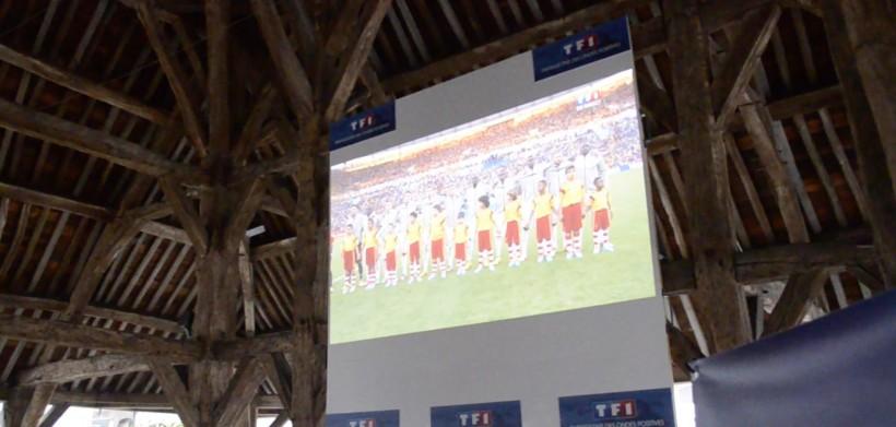 L'écran géant sous les halles pour la coupe du monde de football (Photo d'archives)