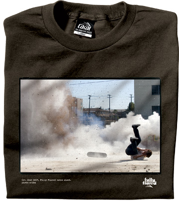 https://i2.wp.com/www.lesitedelasneaker.com/wp-content/gallery/aout/lakai-fully-flared-intro-tee-3.jpg