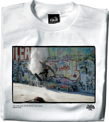 https://i2.wp.com/www.lesitedelasneaker.com/wp-content/gallery/aout/lakai-fully-flared-intro-tee-4.jpg