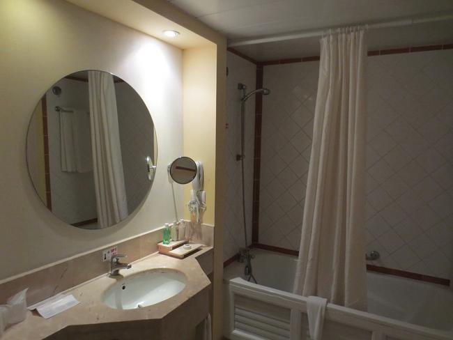 comment poser un rideau de douche