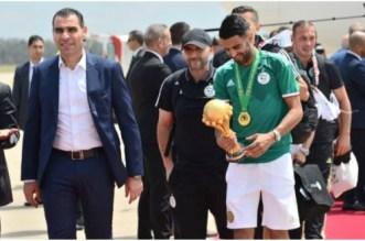 Les Fennecs accueillis en héros à Alger (VIDEO)