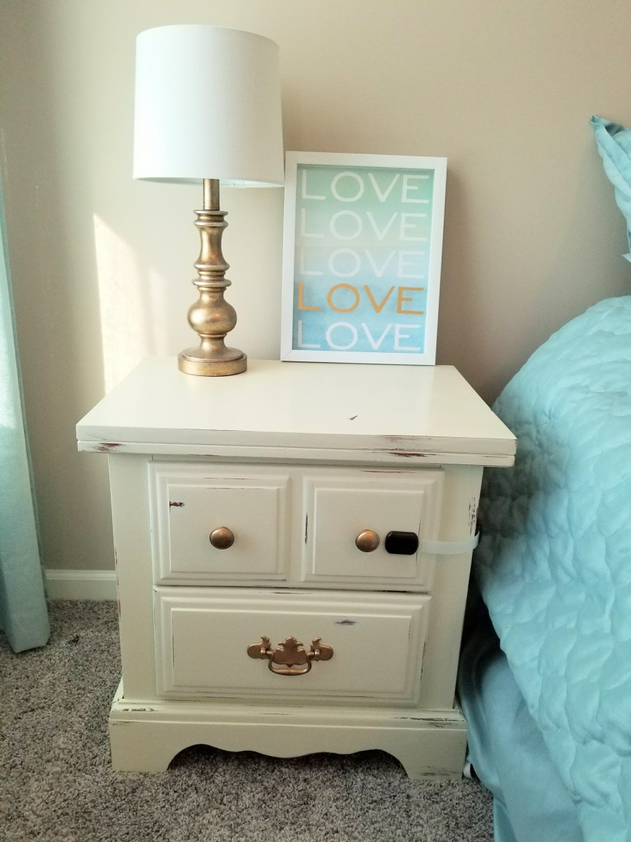 Simple DIY Bedroom Nightstand Makeover
