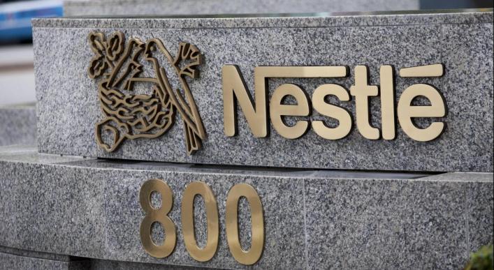 Nestlé reconnaît dans un document interne que plus de 60% de ses aliments ne sont pas bons pour la santé