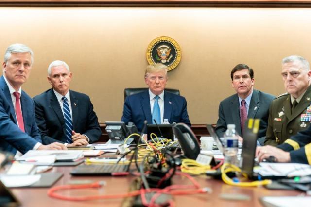 Donald Trump dans la « situation room »