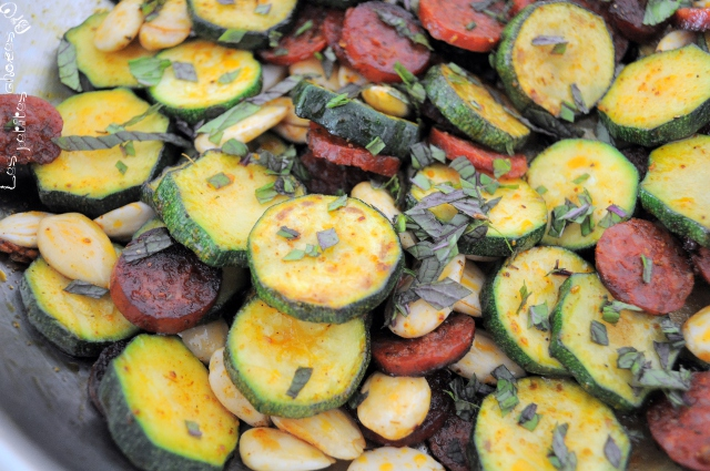 poelee_courgette_chorizo_amandes