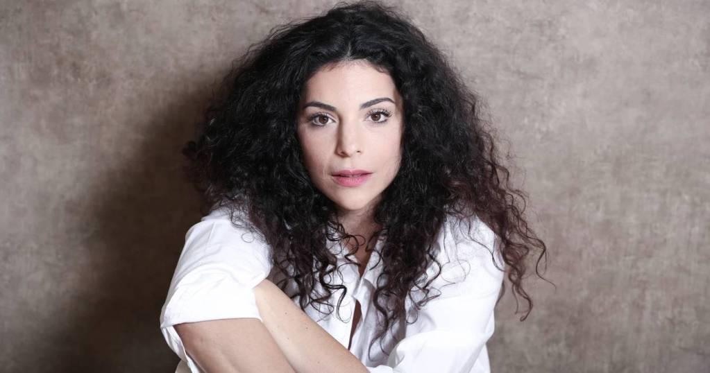 Portrait de Judith Mergui, en spectacle à la Comédie des Boulevards