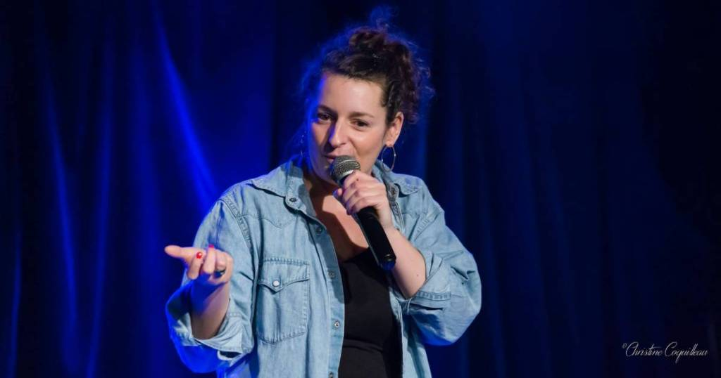 Emma de Foucaud, découverte humour et stand-up sur le spot du rire