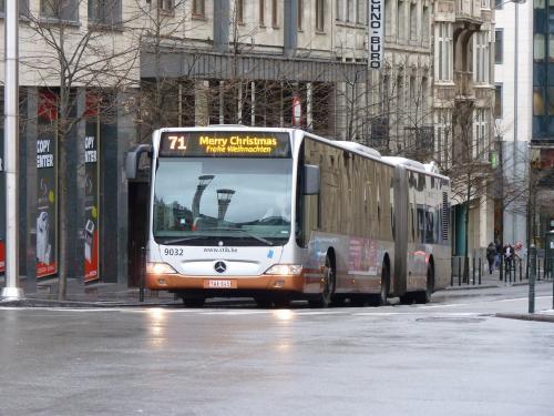 Bus Mercedes-Benz Citaro G de la STIB sur la ligne 71