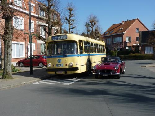 Ferrari 250GT et bus Brossel A98DAR
