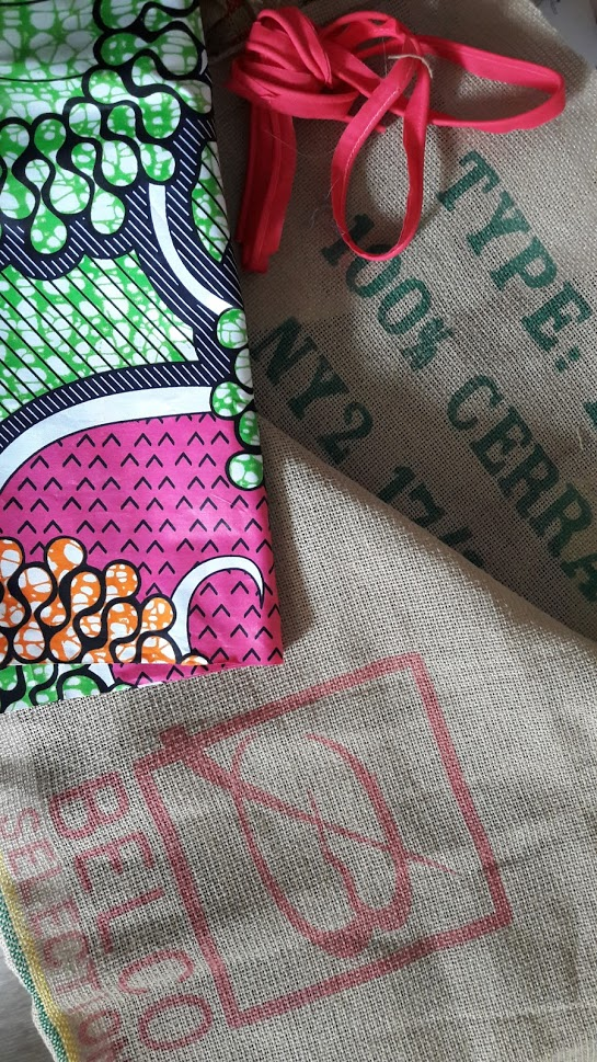 Wax, sac à café , fil, passepoil…et voilà un autre sac ! #2