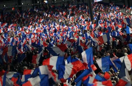 «Train Bleu pour la Concorde» : déplacement pour le Grand Rassemblement National du dimanche 15 avril 2012 autour de Nicolas SARKOZY