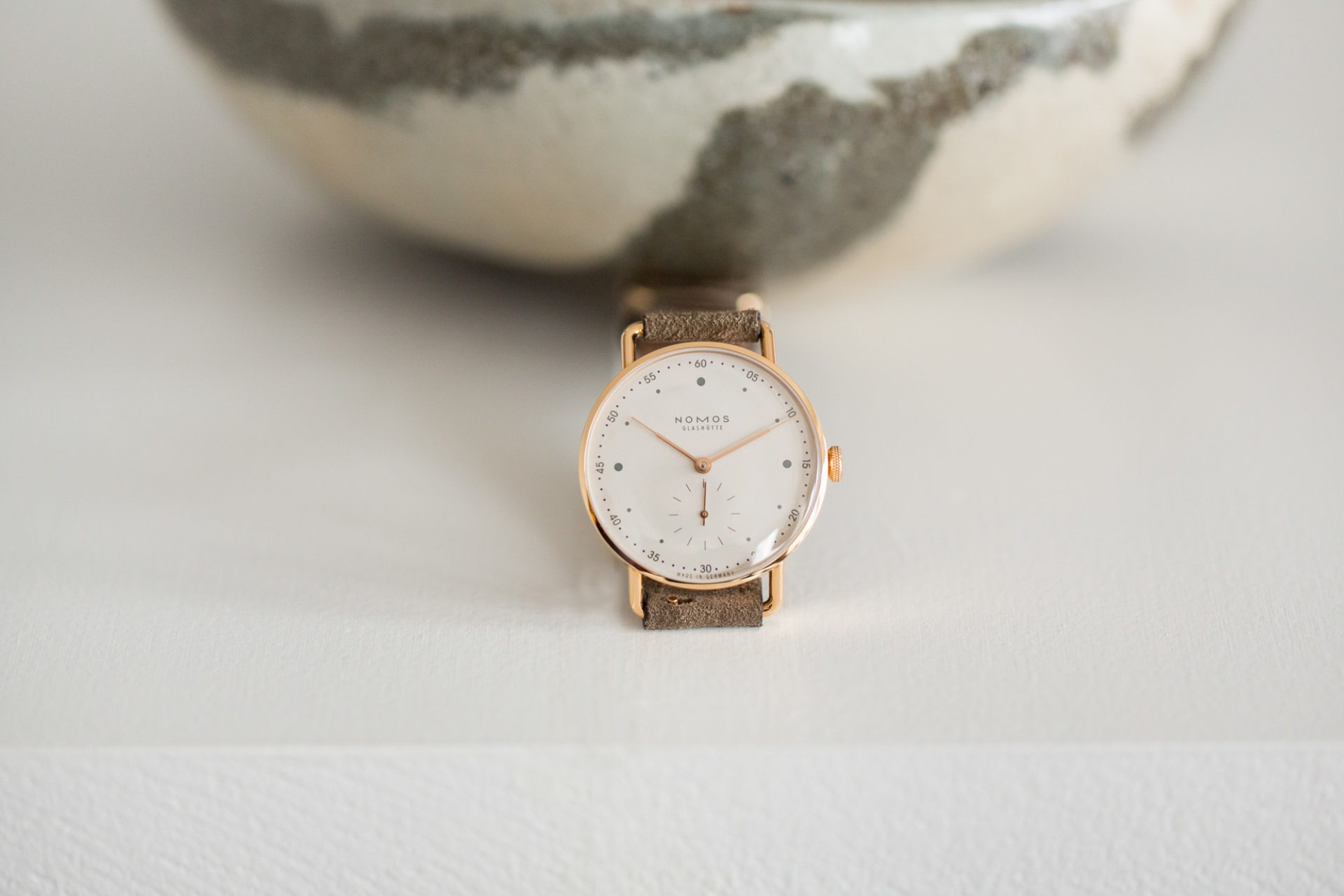Nomos Glashütte Metro or rose 33