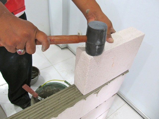 pemasangan bata ringan hebel
