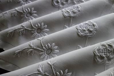 linge ancien fils lin drap nappe monogramme brode broderie dentelle mouchoir serviette couronne