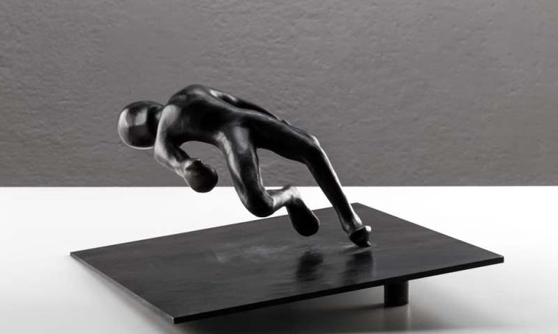 """""""Knockout"""", oltre le figurazioni, le """"stratificazioni di senso"""" di Alex Pinna"""