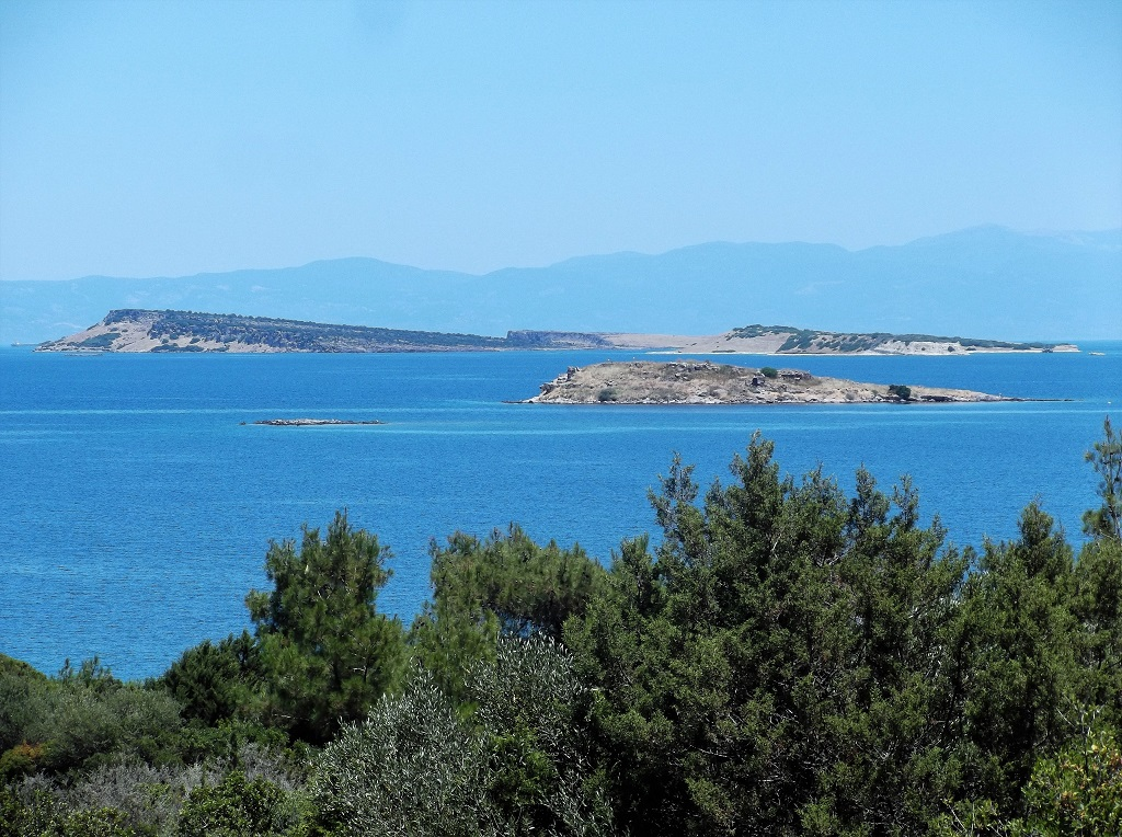 Tokmakia islands near the east coast of Lesvos