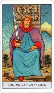 Tarotkaart 67 Zwaarden Koning