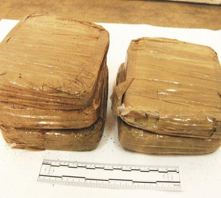 10 kg d'héroïne et 1,4 kg de cocaïne saisis. Soit près de 200.000 € à l'achat...