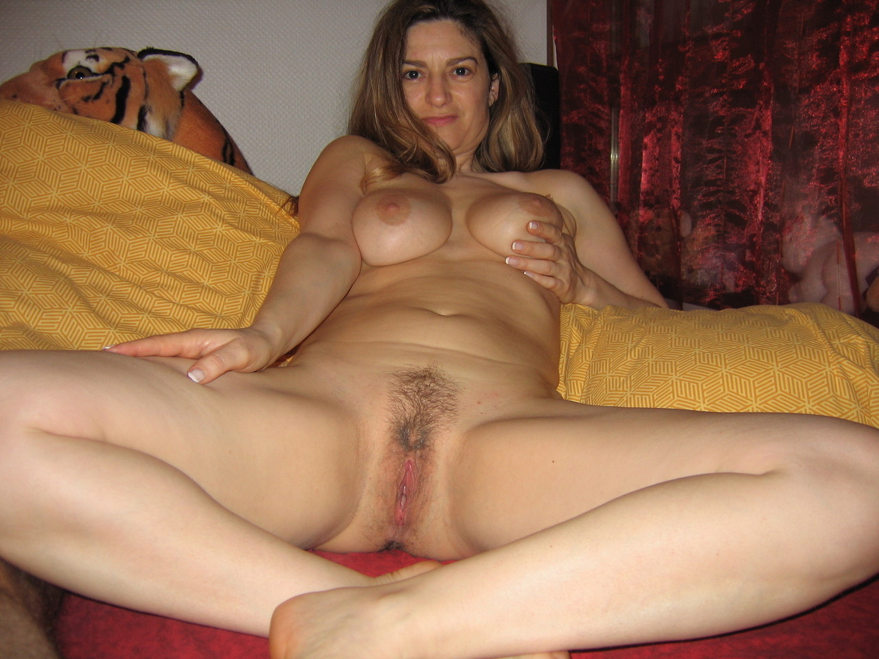 Young nude pussy pics