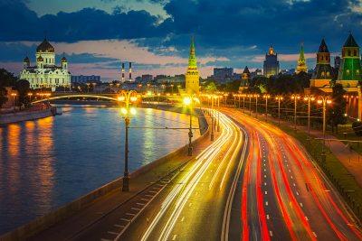 Ruský Tokyo Drift před Moskevskou státní univerzitou