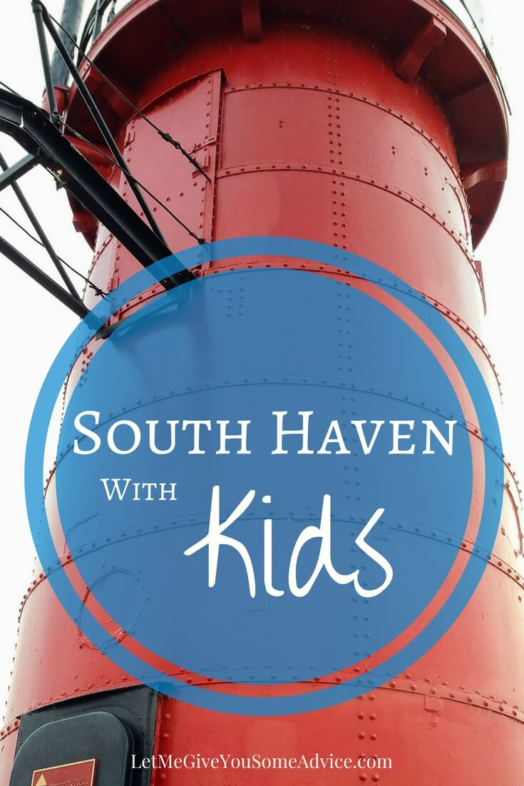 South Haven is the best family-friendly beach town in southwest Michigan! Check out these ideas for ways to explore South Haven with kids. 5 kid-friendly activities for the whole family. #michigantravel #southhaven #lakemichigan