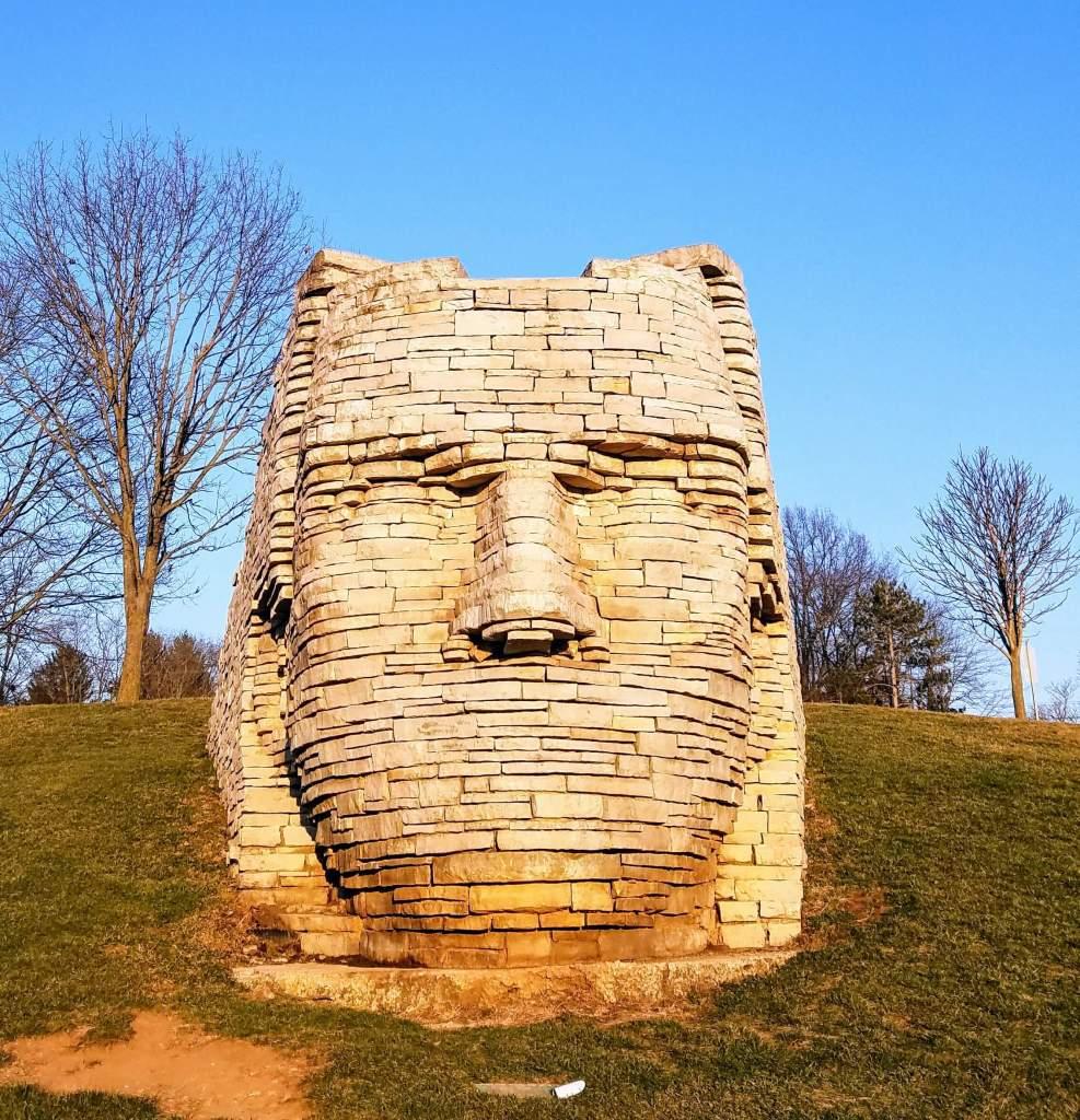 Columbus, Ohio with Kids - Scioto Park sculpture in Dublin Oh