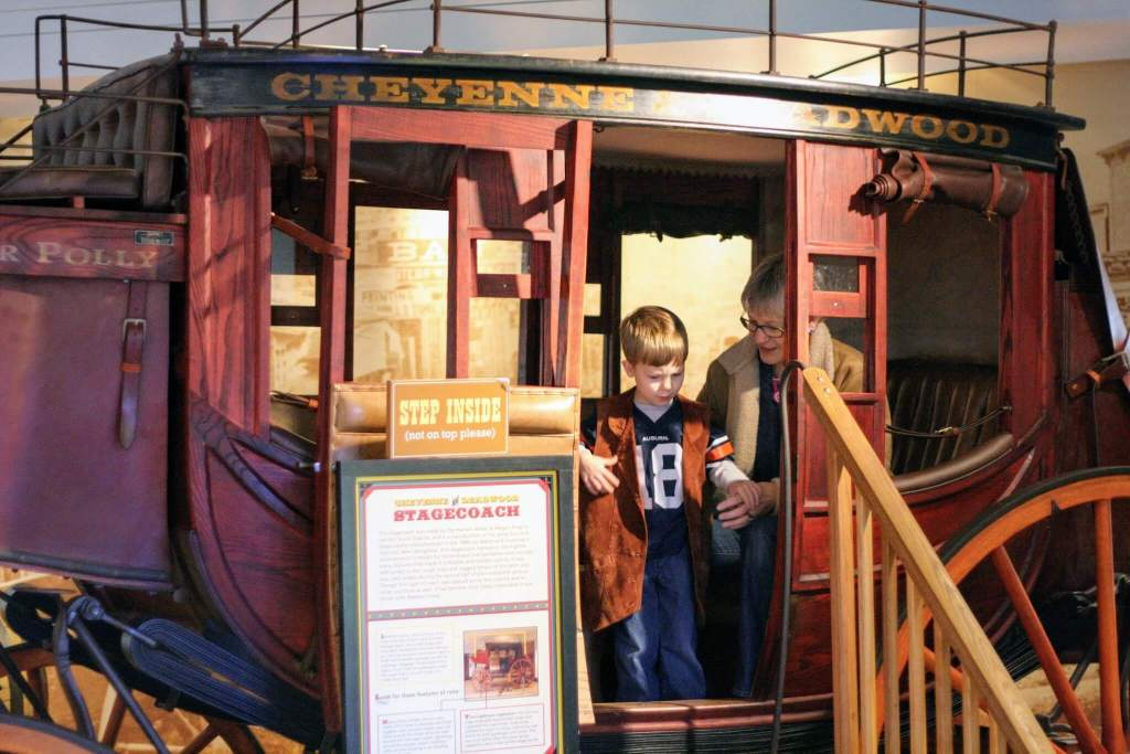 Family Attractions in Indianapolis - Eiteljorg Museum of American Indian and Western Art