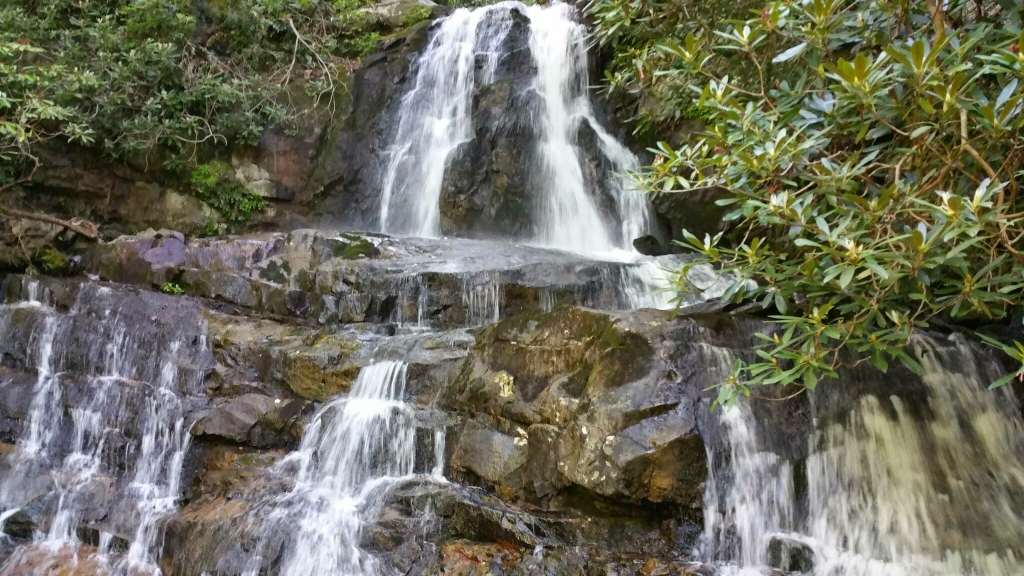 Avoiding Crowds in Gatlinburg and GSMNP - Laurel Falls
