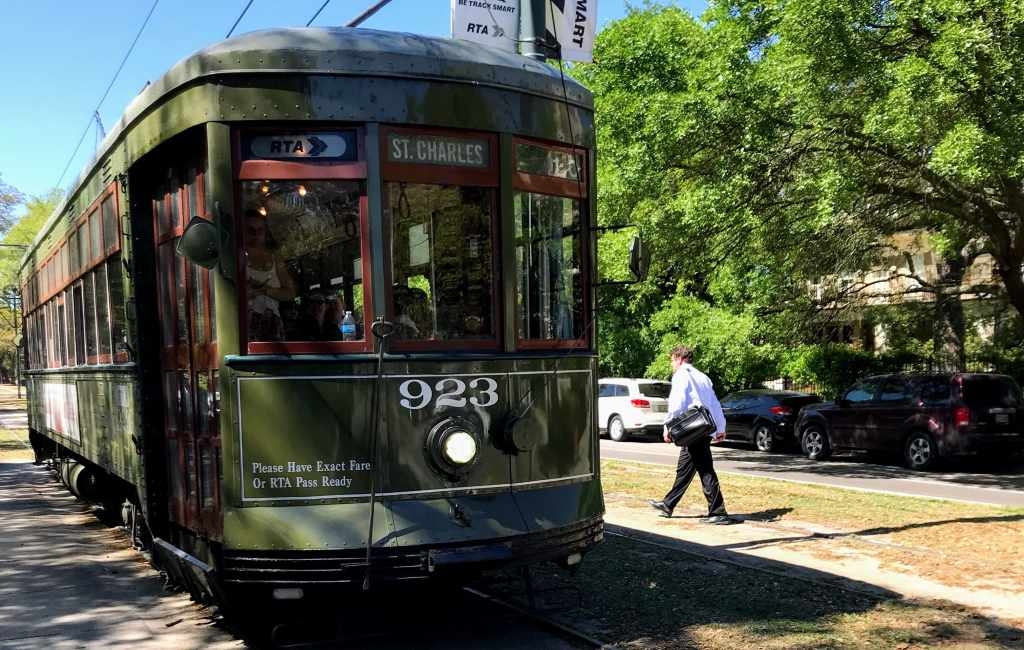 New Orleans Attractions for Kids - Streetcar St. Charles Line
