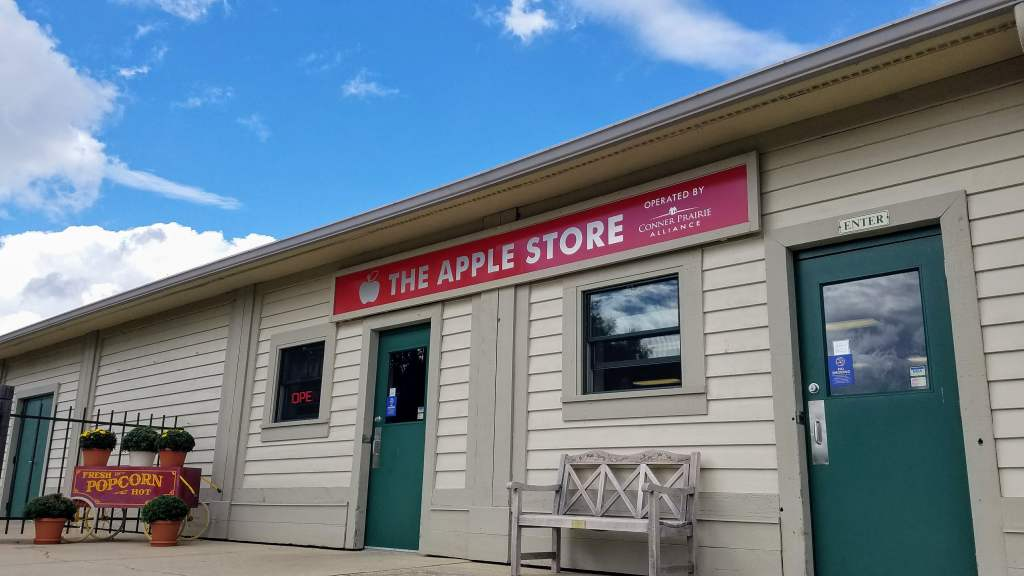 Fall activities in Indianapolis - Apple Store Conner Prairie