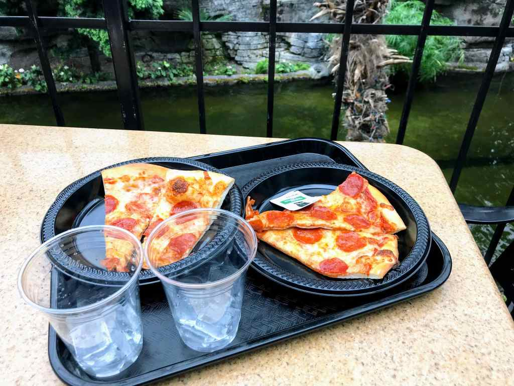 Touring the Opryland Hotel with Kids - counter service pizza