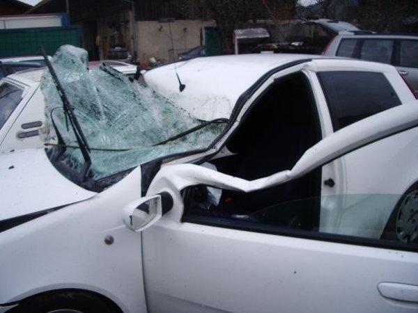 accident voiture pare brise