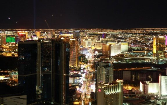 vue stratosphere strip