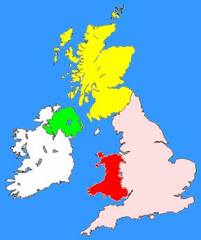 Carte du Royaume-Uni : l'Angleterre en rose ; le Pays de Galles en Rouge ; l'Écosse en jaune et l'Irlande du nord en vert. En blanc : la République d'Irlande ne faisant pas partie du Royaume-Uni.