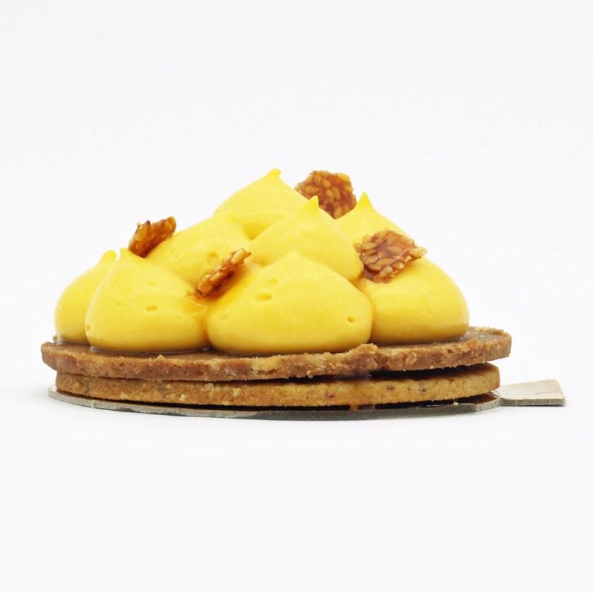 tarte passion praliné noisette O/HP/E