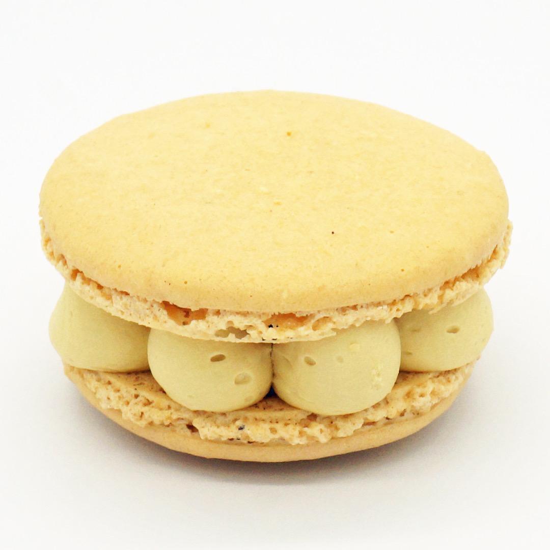 Macaron Caramel et Poire par Gourmandises