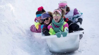 A downhill competitors in a scorching tub organized in a Swiss ski resort
