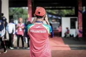 Photo by ray sangga kusuma on Unsplash   Go to ray sangga kusuma's profile ray sangga kusuma @rekamdanmainkan  person standing wearing red shirt