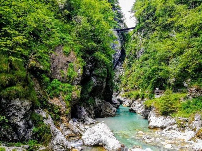 5 NEVERJETNIH dejstev o Sloveniji