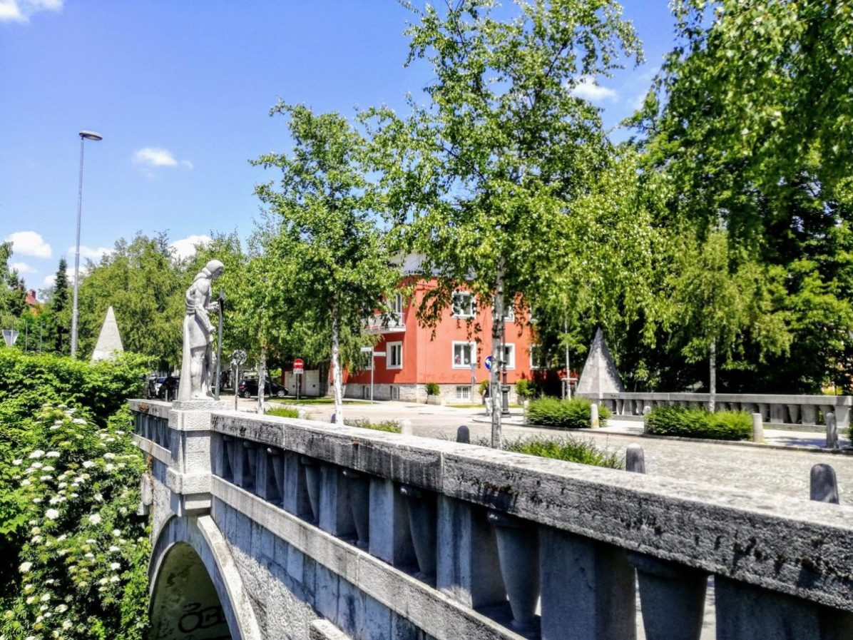 Trnovo Bridge is among the rare with live trees. A secret masterpiece of Plečnik, full of details and on a quiet spot. See it!