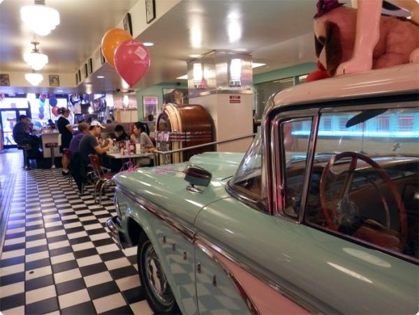 Loui's Diner